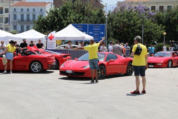 """Οι Ferrari έκαναν """"κατάληψη"""" στο Μόλο της Αγίου Νικολάου της Πάτρας! (φωτο)"""