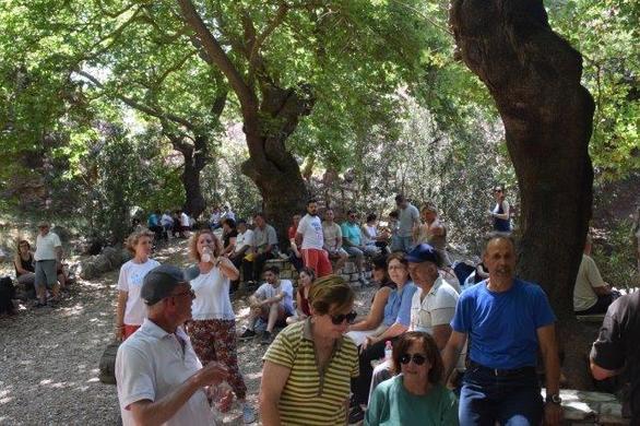 Πάτρα: Δεκάδες πεζοπόροι συμμετείχαν στο «πέρασμα» της Νερομάνας! (pics)