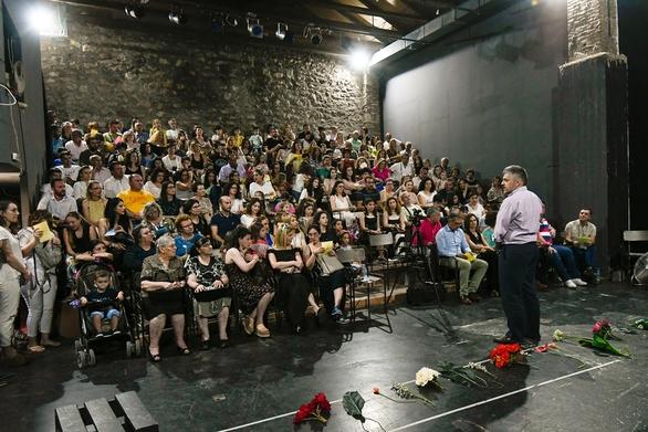 Πάτρα: Με επιτυχία διεξήχθη η καλοκαιρινή παράσταση του 65ου δημοτικού σχολείου (pics)