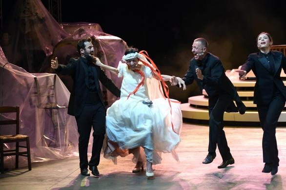Η ιστορία της Πατρινής Γιαννούλας της κουλουρούς στο Φεστιβάλ Αθηνών - Επιδαύρου (φωτο)