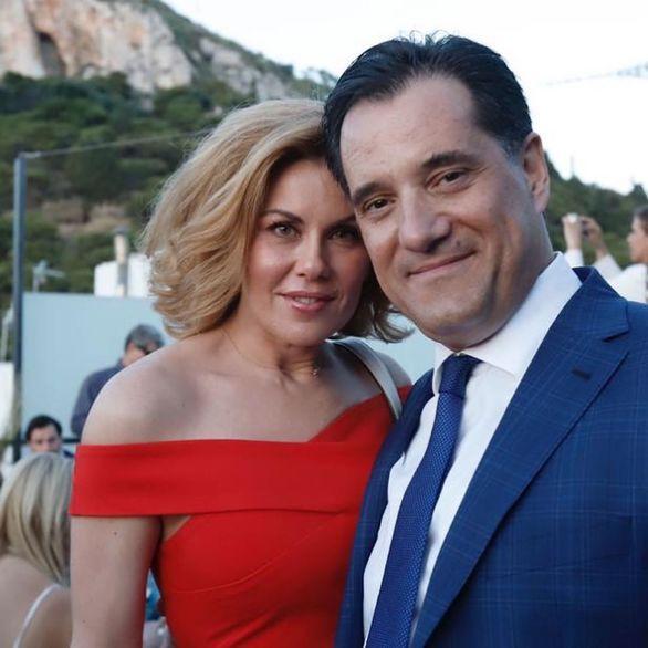 Άδωνις Γεωργιάδης - Ευγενία Μανωλίδου: Έτσι γιόρτασαν την επέτειο για τα 10 χρόνια γάμου!
