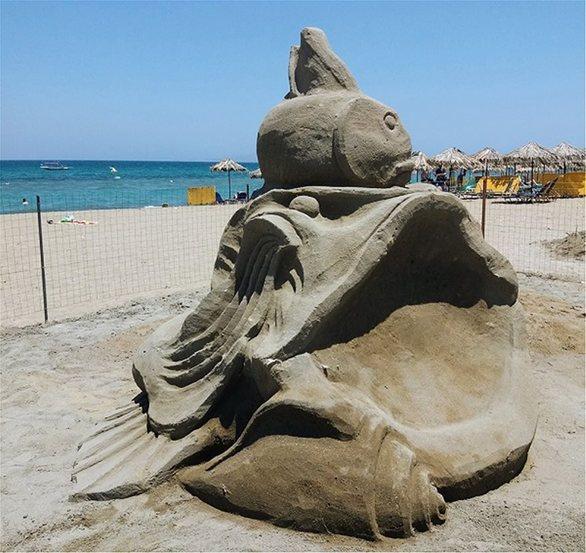 Κρήτη: Εντυπωσιακά έργα από... άμμο στην παραλία της Αμμουδάρας (φωτο)