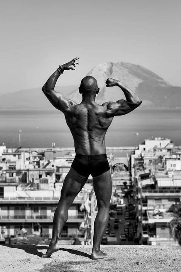 Εύα Λαμπροπούλου - Μια φωτογράφος που αναδεικνύει κόσμους και στιγμές (pics)