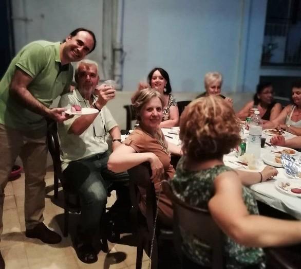 Ένα ατέλειωτο μουσικοχορευτικό τραπέζι στήθηκε στον Πανηπειρωτικό Σύλλογο Πατρών (φωτο)