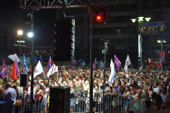 """Αλέξης Τσίπρας από Πάτρα: """"Την επόμενη Κυριακή γυρίζουμε το παιχνίδι"""" (pics+video)"""