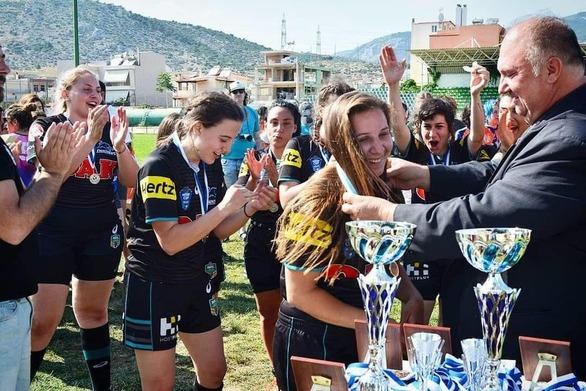 Η πρώτη αρχηγός της εθνικής ομάδας γυναικών rugby είναι από την Πάτρα! (pics)