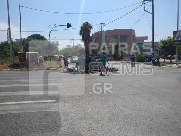 Πάτρα: Τροχαίο - Σύγκρουση δικύκλων με αυτοκίνητο στην Κανελλοπούλου (φωτο)
