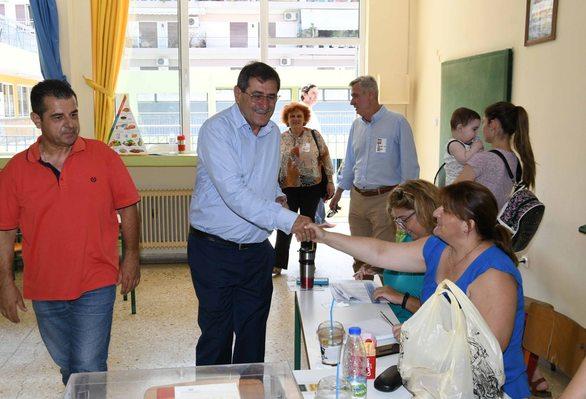 Πάτρα - Ο Κώστας Πελετίδης, άσκησε το εκλογικό του δικαίωμα (φωτο)