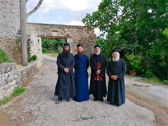 """""""Μοναχός"""" ο Άνθιμος Ανανιάδης (φωτο)"""