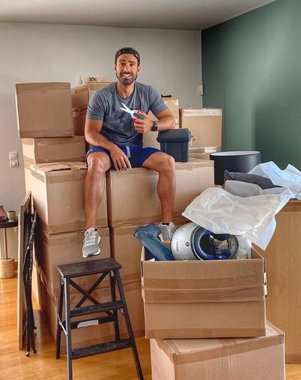 Μετακομίζει σε νέο σπίτι ο Σάκης Τανιμανίδης (φωτο)
