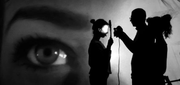 """Oedipus: Sex with Mum Was Blinding"" - Το νέο έργο της Έλλης Παπακωνσταντίνου ταξιδεύει στη Ν. Υόρκη"