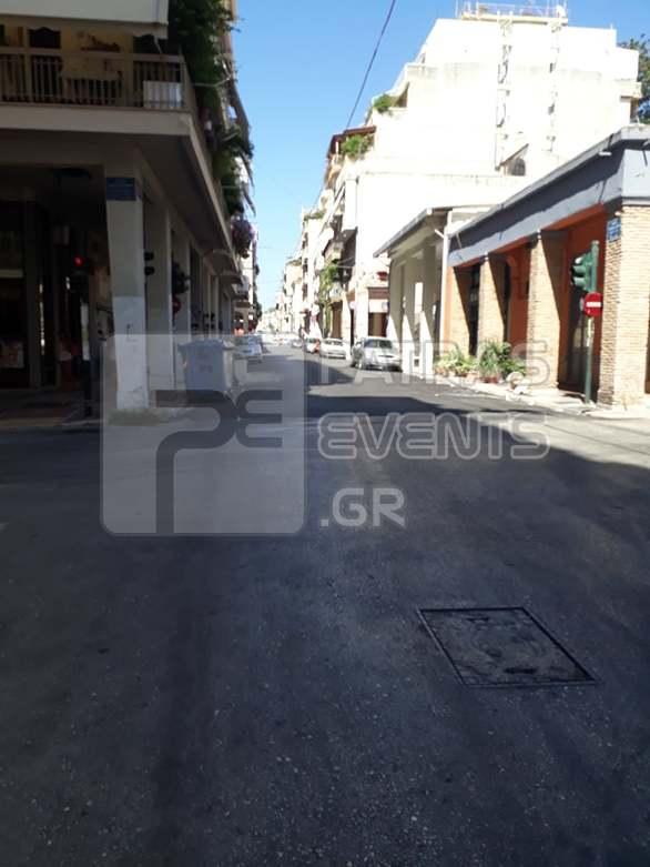 Άδεια η Πάτρα - Έρημη πόλη θυμίζει το κέντρο (φωτο)