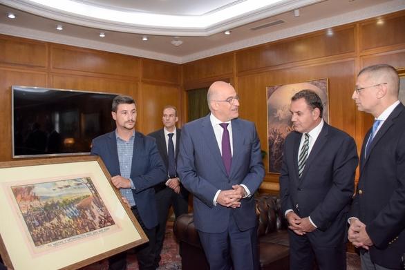 Υπογραφή μνημονίου συνεργασίας μεταξύ του Υπουργείου Εθνικής Άμυνας και του Υπουργείου Εξωτερικών (φωτο)