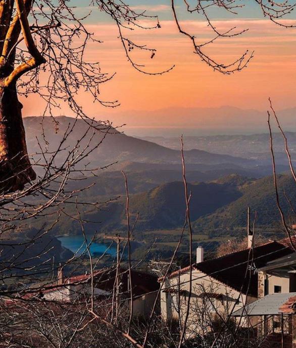 Διακοπές στο βουνό - Παίρνουν ζωή τα χωριά της ορεινής Αχαΐας τον Αύγουστο