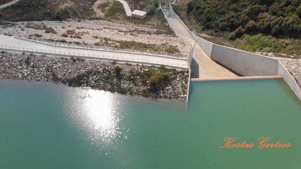 Εναέρια πλάνα από τη λιμνοδεξαμενή Ντασκά στην Αχαΐα (video)