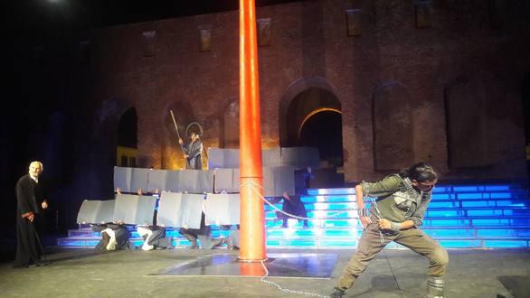 Κατάμεστο το Ρωμαϊκό Ωδείο της Πάτρας για τον Προμηθέα Δεσμώτη - Τι είδαμε