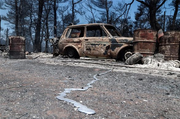 Ασύλληπτη η καταστροφή που αφήνει πίσω της η πυρκαγιά στην Εύβοια