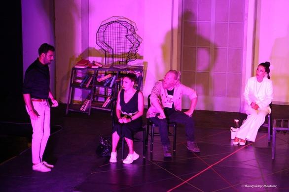 """Η παράσταση """"Τοc Toc"""" σκόρπισε άφθονο γέλιο στο κοινό της Πάτρας! (pics)"""