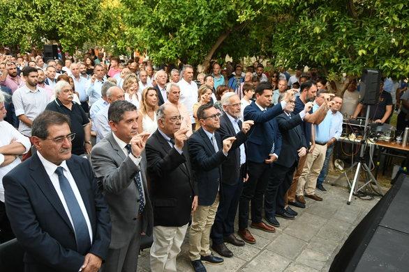 Πάτρα - Πραγματοποιήθηκε η τελετή ορκωμοσίας του Κώστα Πελετίδη και του νέου Δ.Σ. (φωτο)