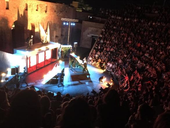 """Δύο σερί sold out για το """"Όνειρο Καλοκαιρινής Νύχτας"""" στην Πάτρα (pics)"""
