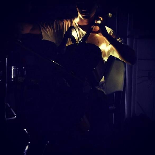 """Το όνομα του είναι Jason Foux και η μουσική για αυτόν είναι """"τελειότητα""""! (pics+video)"""