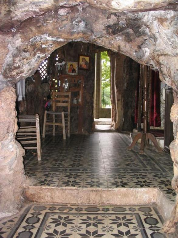 H Παναγία της Πλατανιώτισσας στη Πτέρη Αιγίου πανηγύρισε τα Γενέθλια της Θεοτόκου (pics)