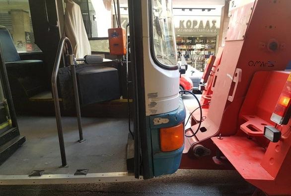 """Πάτρα: """"Έμφραγμα"""" στο κέντρο με λεωφορείο που έπαθε βλάβη"""