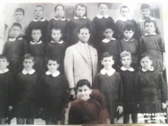 Αναγνωρίζετε ποιος πολιτικός είναι σε αυτή τη φωτογραφία;