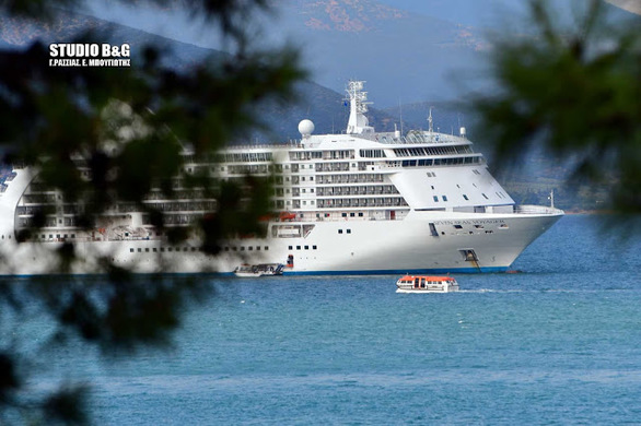 Seven Seas Voyager: Ένα από τα ομορφότερα κρουαζιερόπλοια στο κόσμο βρίσκεται στο Ναύπλιο (pics+video)