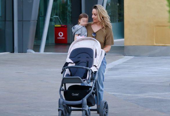 Η Ελεονώρα Μελέτη βόλτα με την κόρη της, Aλεξάνδρα (φωτο)
