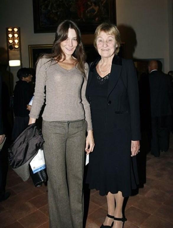 Carla Bruni - Η ομοιότητα με τη μητέρα της (φωτο)