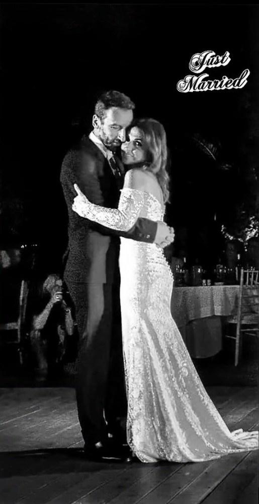 Παντρεύτηκε η Ζωή Παπαδοπούλου, με κουμπάρο τον Κώστα Καραφώτη (φωτο)