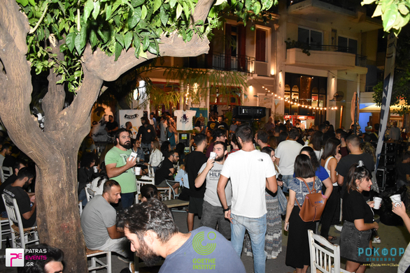 """Oktoberfest - Η μεγαλύτερη γιορτή μπύρας """"μεταφέρθηκε"""" στην Πάτρα! (φωτο)"""