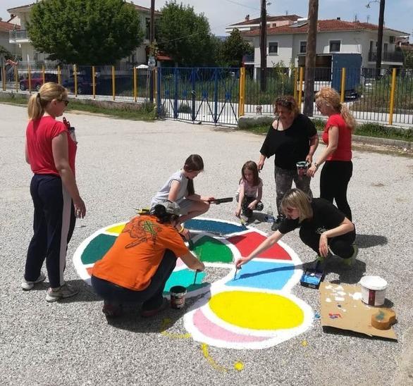 Τρίκαλα: Έφτιαξαν το ομορφότερο σχολικό προαύλιο στην Ελλάδα