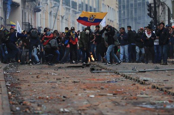 Σε κατάσταση εκτάκτου ανάγκης ο Ισημερινός λόγω των κινητοποιήσεων (φωτο)