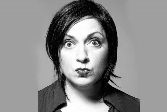 """Σοφία Μουτίδου: """"Το stand-up comedy είναι μεγάλη ελευθερία, αλλά ταυτόχρονα και πολύ δύσκολο""""!"""