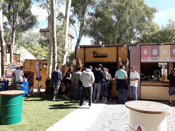 Το 1ο Patras Street Food Festival άνοιξε τις πύλες του σε μια γιορτή γευστικών απολαύσεων! (pics+video)