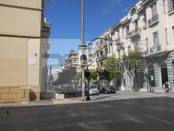 Πάτρα: Τα φανάρια στις διασταυρώσεις της Γούναρη παραμένουν χαλασμένα (φωτο)