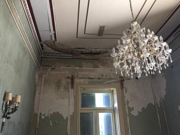 Κέρκυρα: Εικόνες εγκατάλειψης στο Αχίλλειο