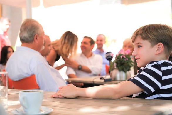 Ξεκίνησε την περιοδεία του στην Αχαΐα, ο Αλέξης Τσίπρας (φωτο)