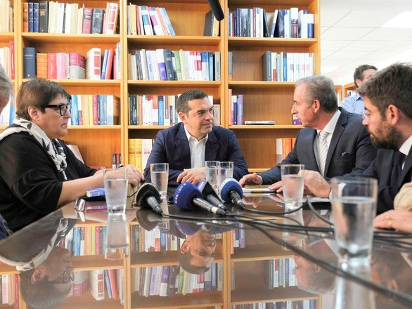 Πάτρα: Στο ΚΕΘΕΑ και στο Δικηγορικό Σύλλογο ο Αλέξης Τσίπρας - Τι είπε για τη Νομική Σχολή (video)