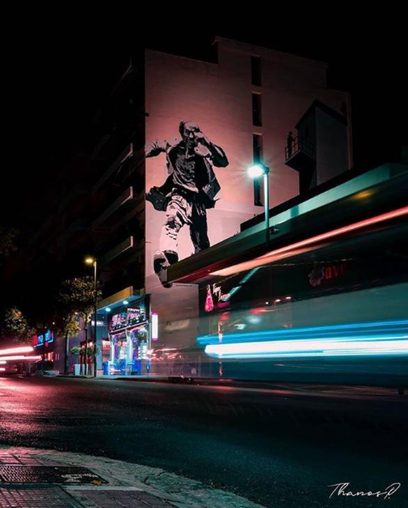 """Ο Βέγγος """"τρέχει"""" στους δρόμους της Πάτρας (φωτο)"""