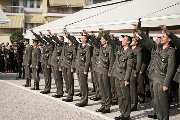Παρουσία Αρχηγού ΓΕΣ στην Τελετή Ορκωμοσίας των Πρωτοετών Σπουδαστών της ΣΜΥ (φωτο)