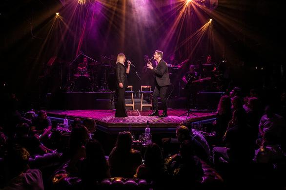 Μιχάλης Χατζηγιάννης - Μελίνα Ασλανίδου: Λαμπερή πρεμιέρα στο «Hotel Ερμού»! (φωτο)