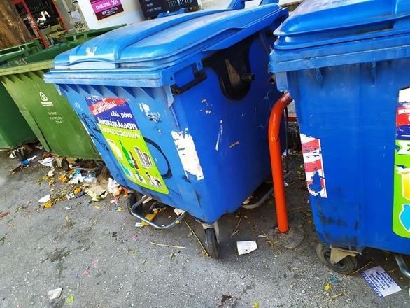 """Πάτρα: Τα σκουπίδια μαζεύτηκαν, τα """"σημάδια"""" όμως έμειναν"""