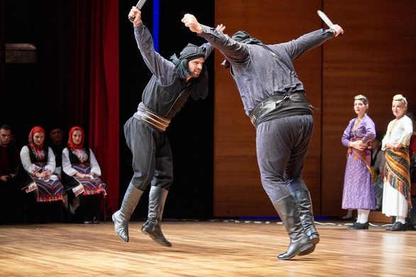 Ποντιακοί Χοροί στο Λύκειον των Ελληνίδων Πατρών (φωτο)