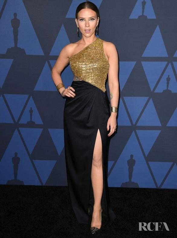 Scarlett Johansson - Λαμπερή εμφάνιση στα Governors Awards (φωτο)