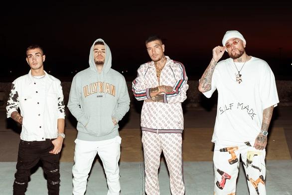 Ο Snik στο Billboard Hot100 της Ιταλίας! (pics+video)