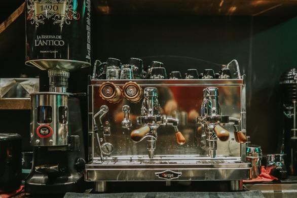Πάτρα - Mια ιδιαίτερη pub που μας ταξιδεύει σε Μεγάλη Βρετανία και Ιρλανδία