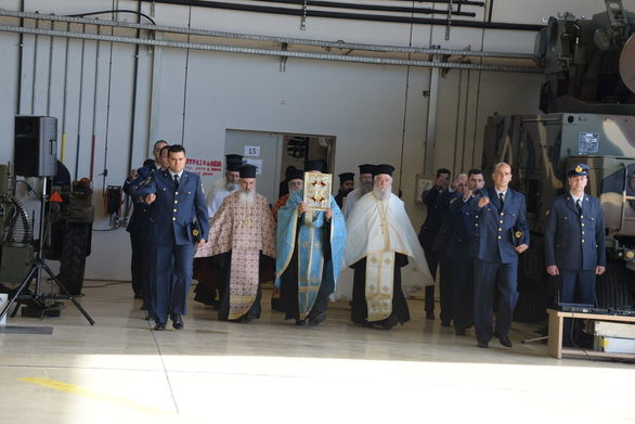 Η Ιερά Μητρόπολη Πατρών στην βάση της Πολεμικής Αεροπορίας στον Άραξο